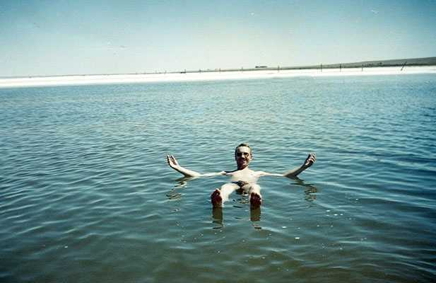 Купание на озере Баскунчак