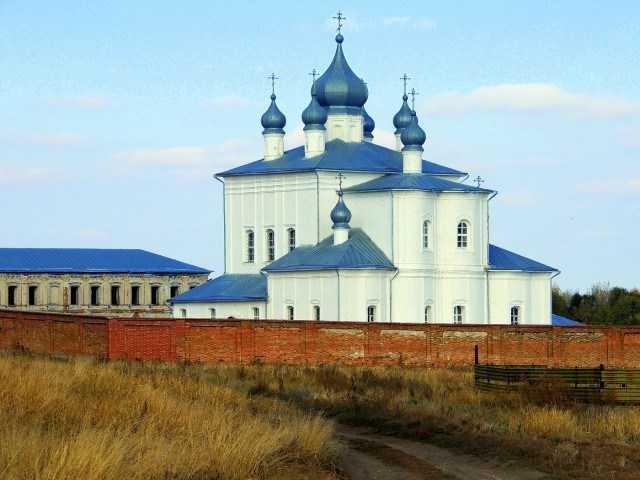 Экскурсия в Кременской монастырь